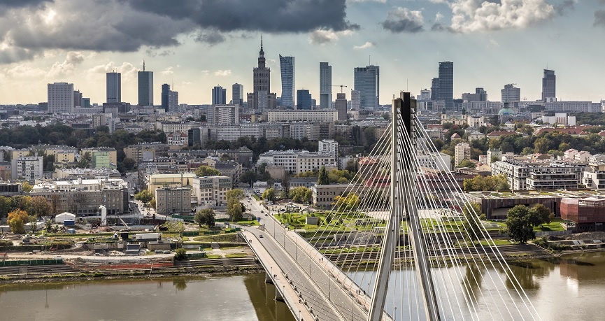 Kolejny dobry tydzień dla złotego. Rezerwa Federalna i mniejsze ryzyko wspierają polską walutę
