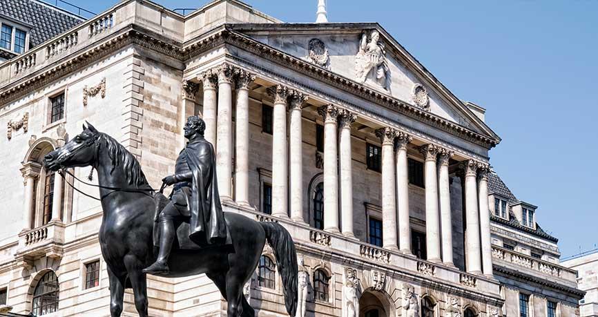 La libra se eleva mientras el BoE prepara al mercado para subidas de tipos