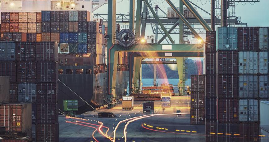 Jak eksporterzy mogą zabezpieczyć swoją marżę przed niekorzystnym kursem waluty?