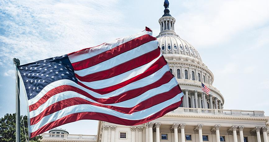 Le dollar s'effondre à cause de risques politiques aux Etats-Unis