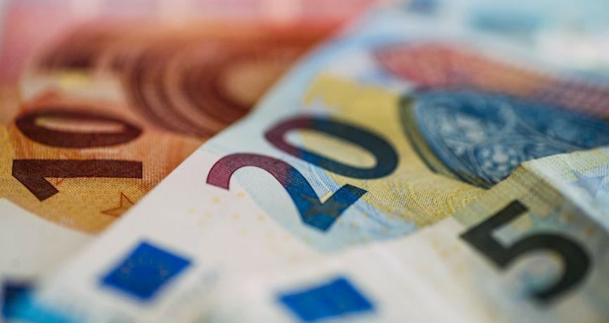 Forte rialzo dell'Euro con la vittoria al primo turno di elezioni di Macron
