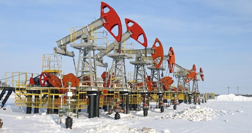 Enorme koersstijging grondstoffenvaluta's door stijgende olieprijzen; roebel daalt.