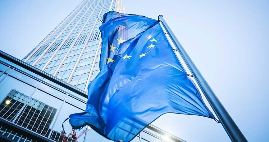 L'espoir d'une coalition allemande et des données économiques fortes font monter l'euro
